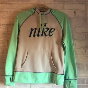 Nike women's Therma fit hoodie size med